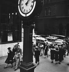 1938 - Tempo of the City I. Fifth Avenue and 44th Street, Manhattan